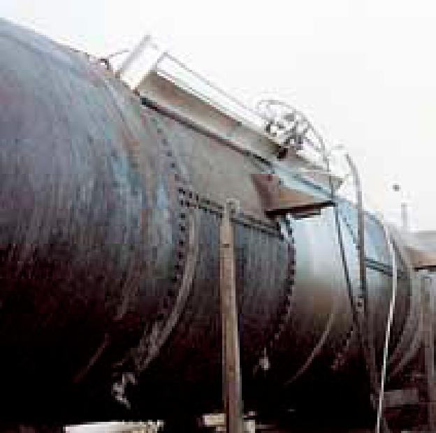 Manufacuring hole cutting in metal oil tanks